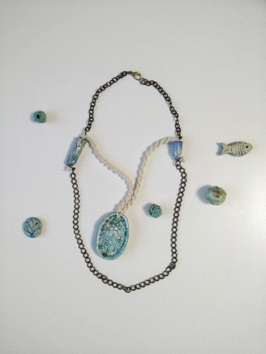 Колье из керамики