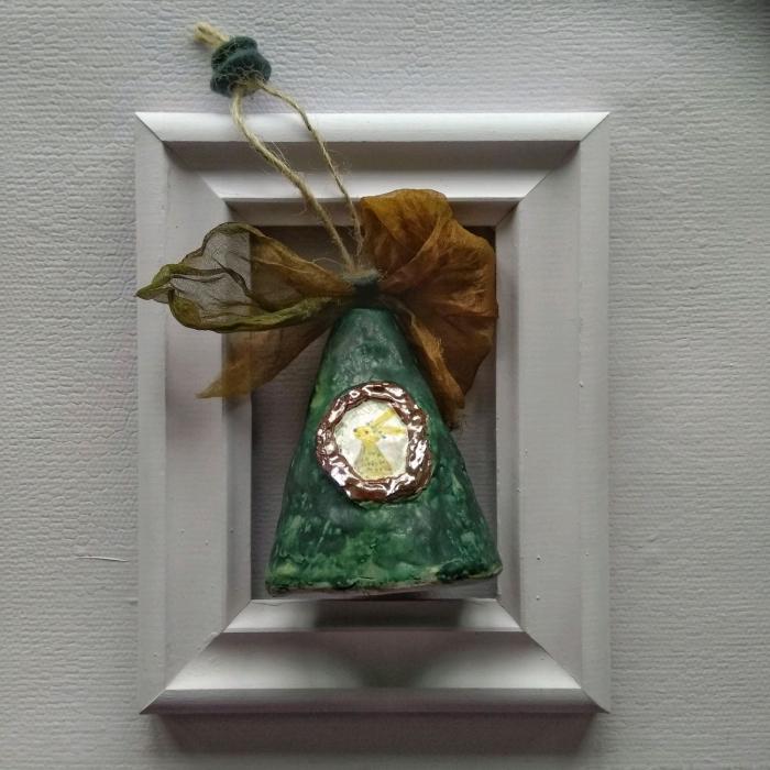 Колокольчик из керамики с кроликом